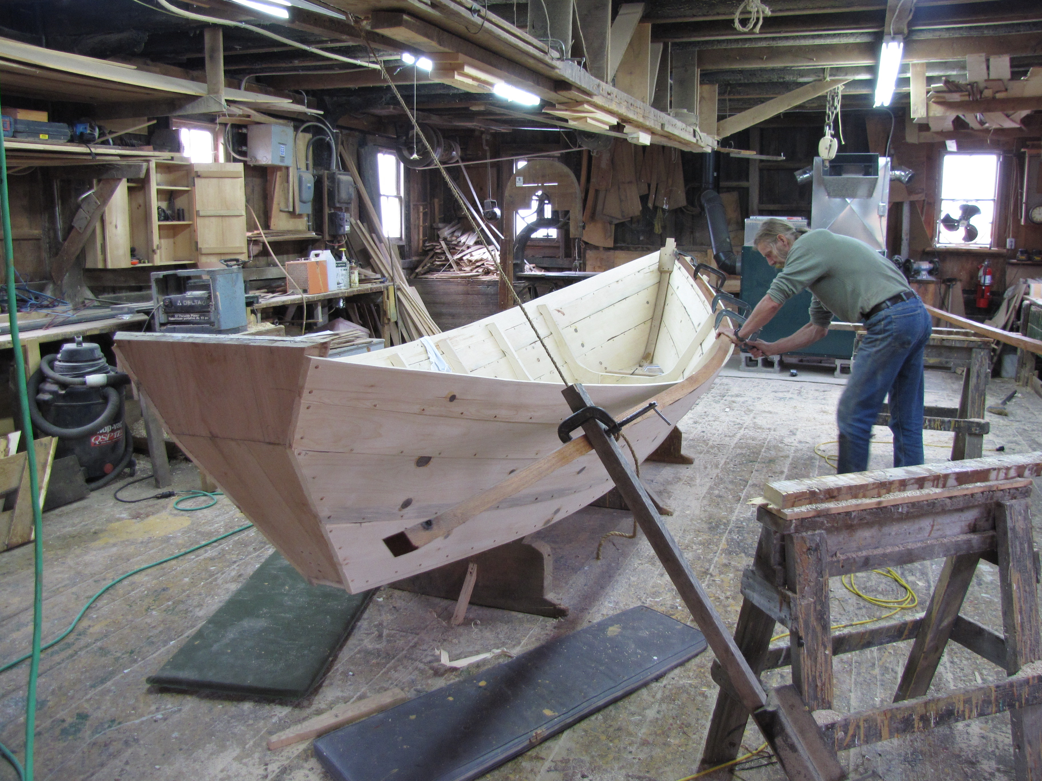 Building A Small Wooden Motor Boat Mng Oma
